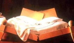 broken-bed 01