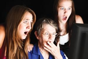 shocked-women-family