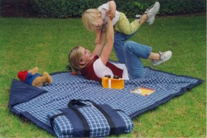 tuffo-throw-about-water-resistant-outdoor-blanket_0_01
