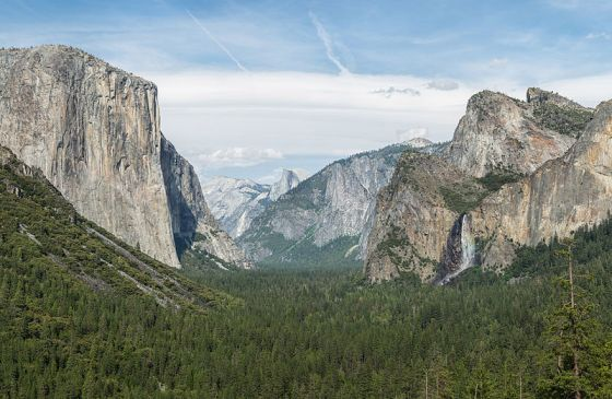 800px-Tunnel_View,_Yosemite_Valley,_Yosemite_NP_-_Diliff